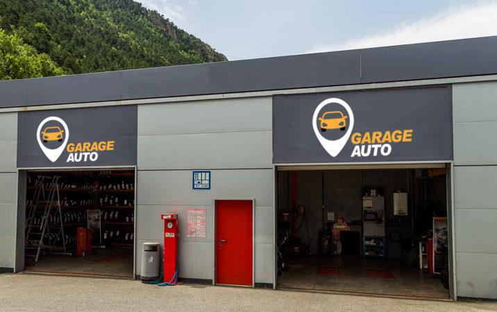 Garage automobile un circuit sur mesure avec des must for Panneau publicitaire garage automobile