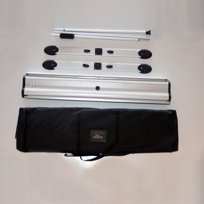 Vue de haut, contenu du sac roll'up extérieur imprimé double face 100x200