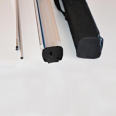 Vue de côté, contenu du sac roll'up imprimé 85x200