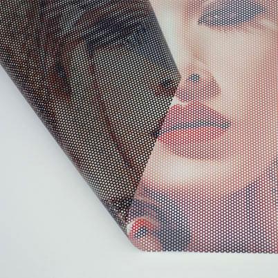 Autocollant vinyle grand format microperforé imprimé