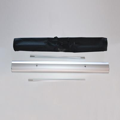 Vue de haut, contenu du sac roll'up imprimé double face 125x200