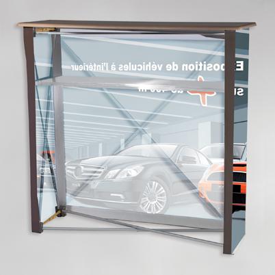 Vue de dos, comptoir d'accueil imprimé en tissu